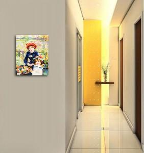 Poza tabloul expus pe perete (1)