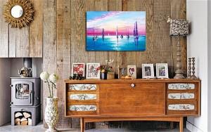 Poza avum tabloul expus pe perete (3)